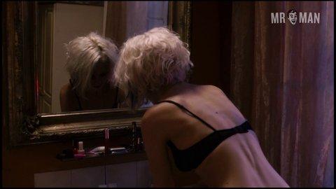 Sense8 1x02 smith hd 01 large 3