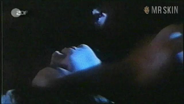 Hearmysong fitzgerald1 frame 3