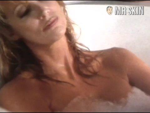 Loveletters shower 02a cmb frame 3
