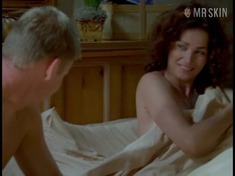 Nypd blue s08e02 e156 kimdelaney 01 large 3