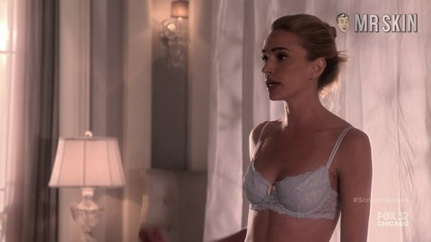 Screamqueens 01x01 howey hd 01 large 3