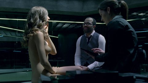 Westworld1x01 br sarafyanwoodward hd 03 large 4