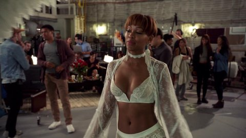 Whitefamous 01x08 meagangood hd 02 large 2