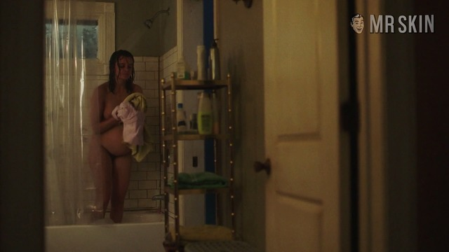Smilf2x05 shaw hd 002 large thumbnail 3 override